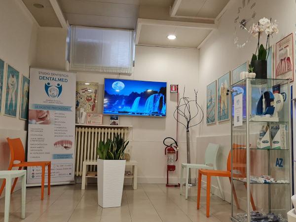 DentalMed-snc-sala attesa 2021